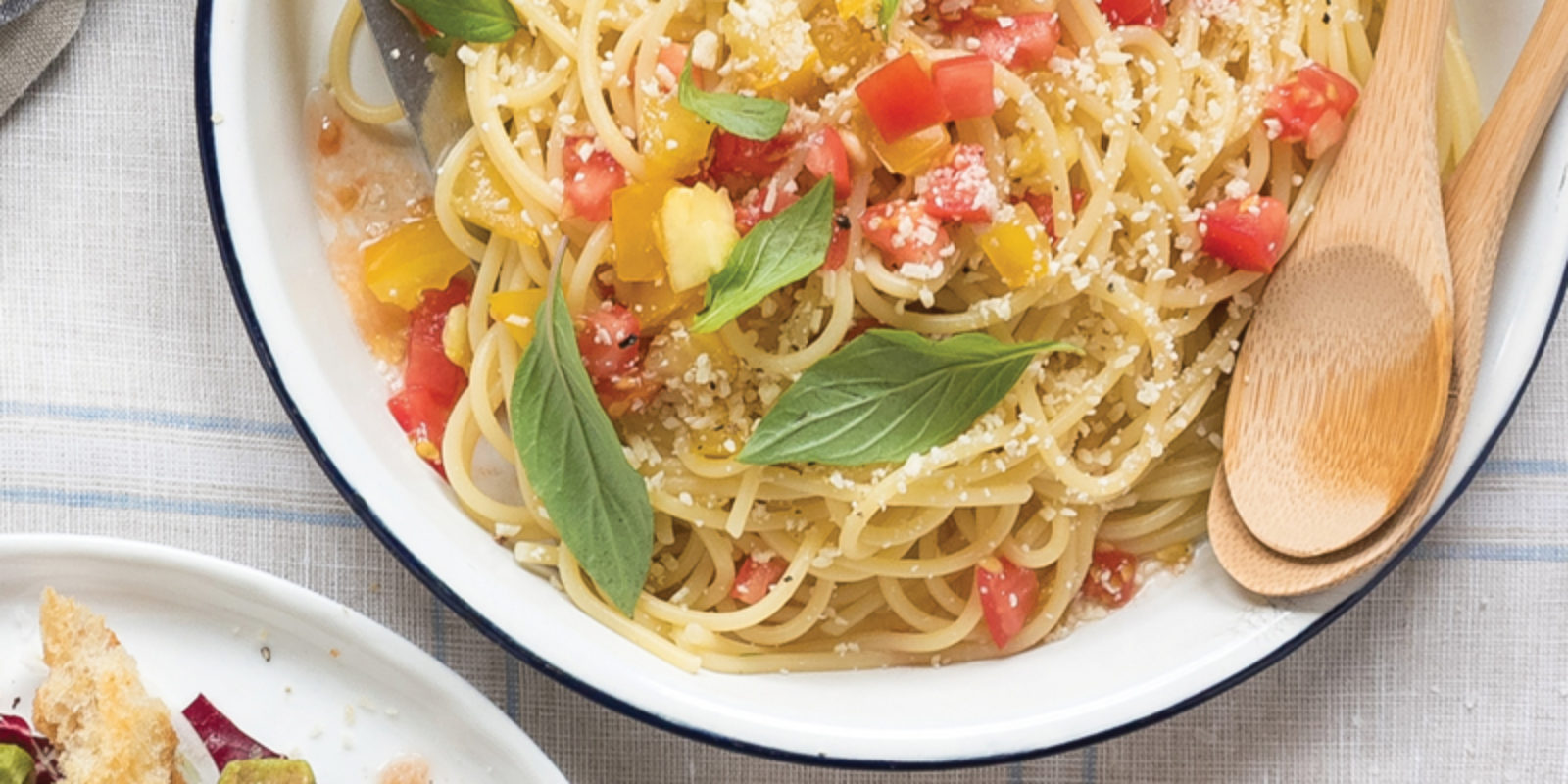 Spaghetti with No-Cook Tomato Sauce